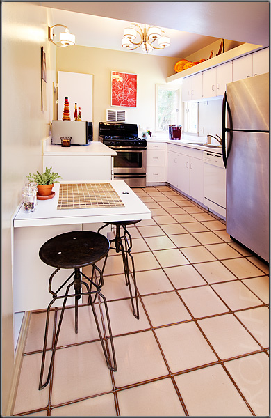 http://dennisroliff.com/samples/web/kitchen_001.jpg